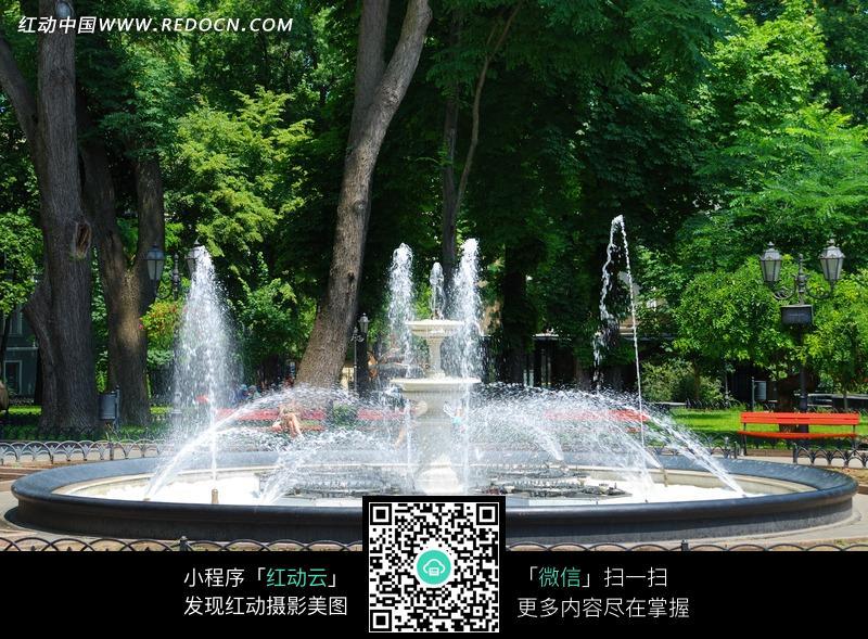 广场喷泉图片