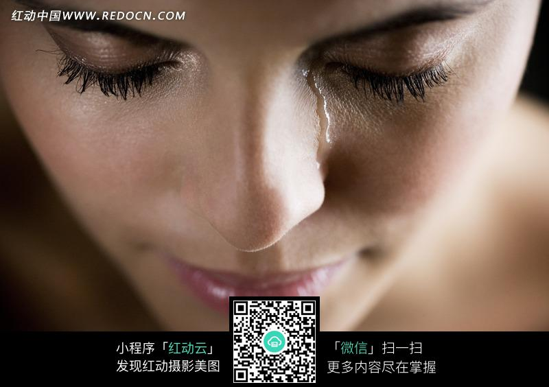 流泪的女孩摄影照片图片