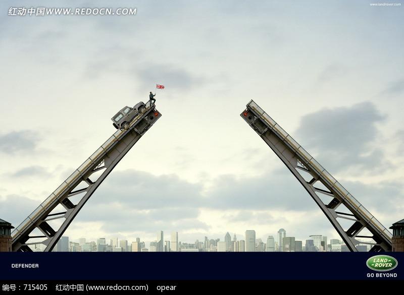 路虎汽车创意广告图片