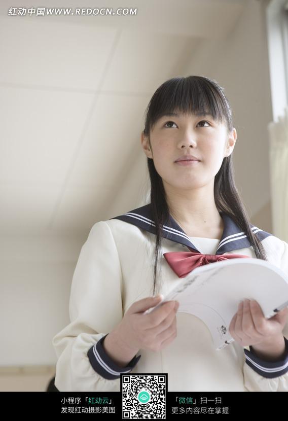 日本女中学生图片