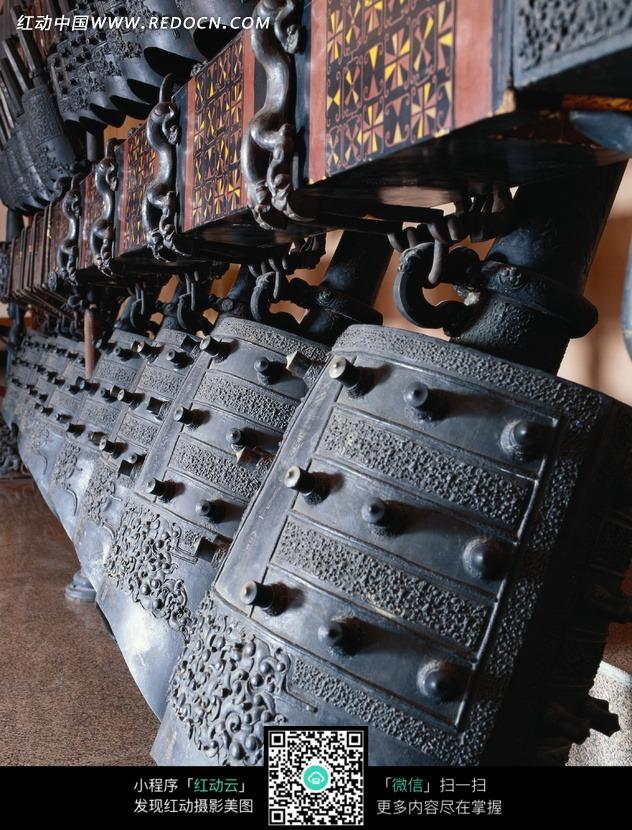 中国古代打击乐器编钟图片