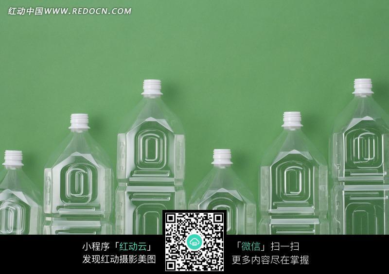 瓶身有几何图形的空塑料瓶子图片图片