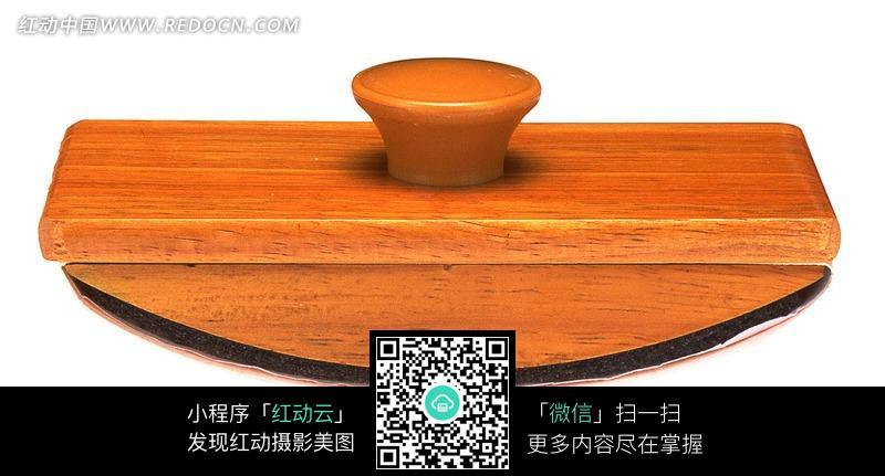 木质的半圆形锅盖图片