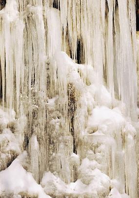 寒冬里的冰瀑