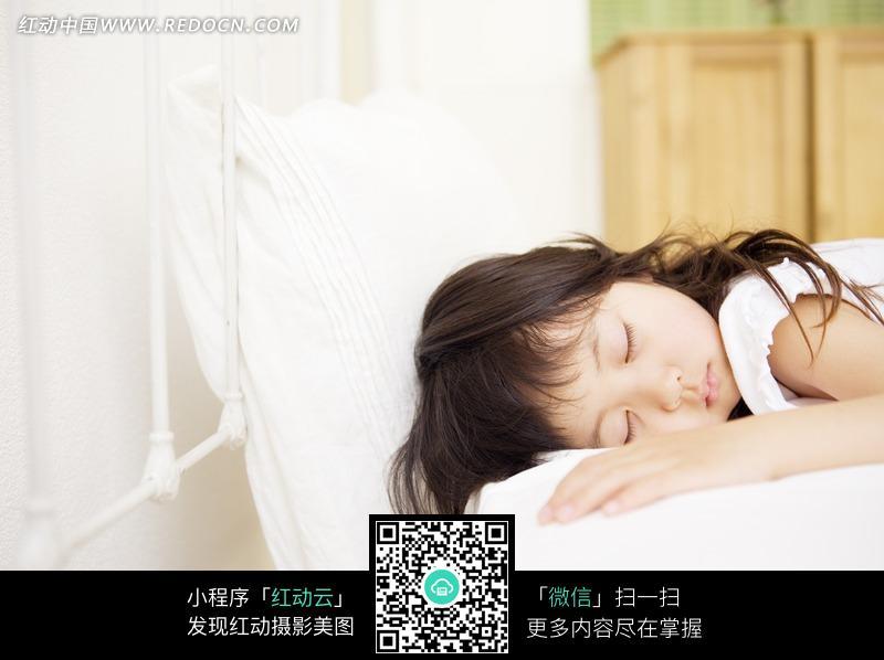 梦见小孩安静的睡觉