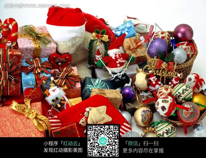 免费素材 图片素材 生活百科 节日庆典 一堆圣诞节礼物与彩蛋图片