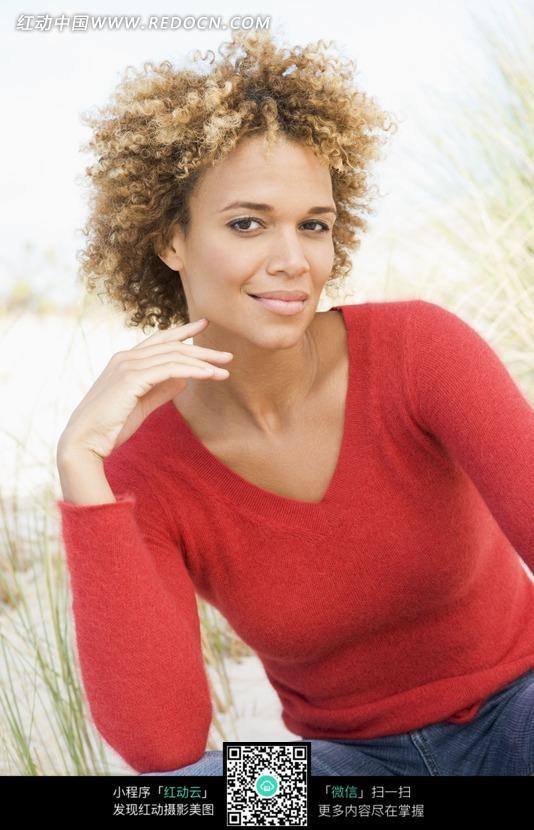 穿红色衣服的美女头像   qq头像大全