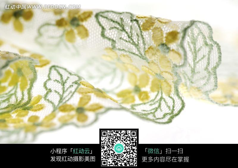绣着黄花绿色的纱布料图片免费下载 红动网图片