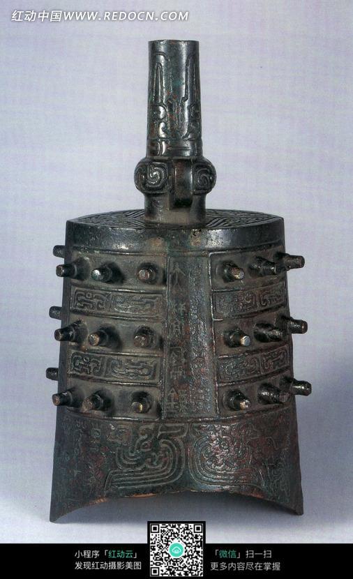 古代青铜乐器编钟图片