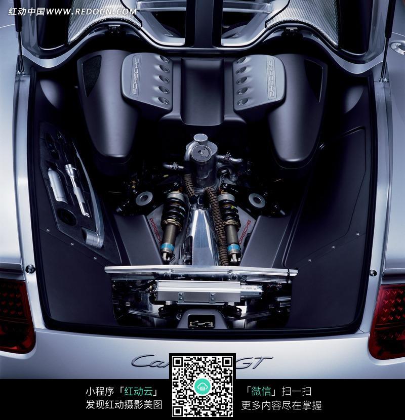 汽车发动机内部结构图