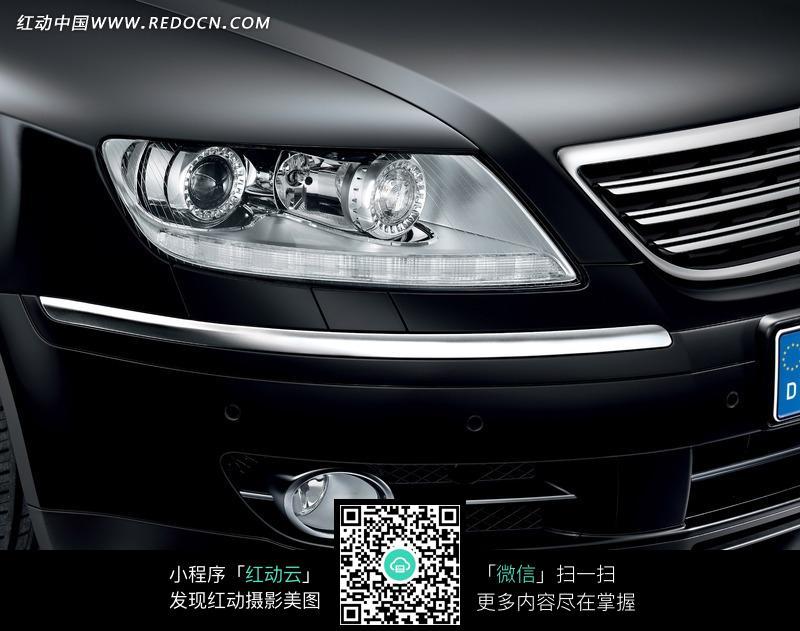 大众辉腾汽车左侧车灯摄影图片