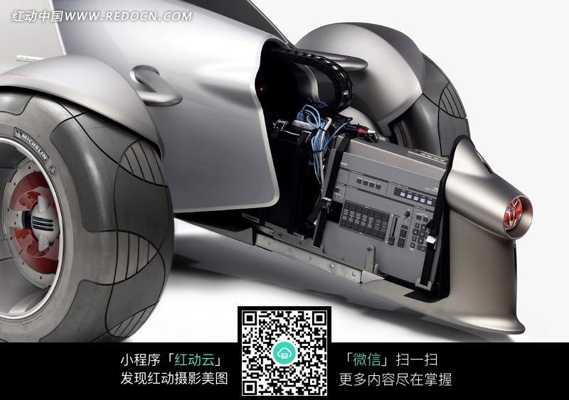 免费素材 图片素材 生活百科 生活用品 概念汽车车头特写