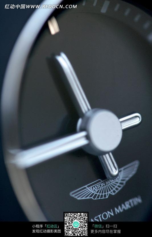 阿斯顿马丁汽车的仪表盘特写图片图片高清图片