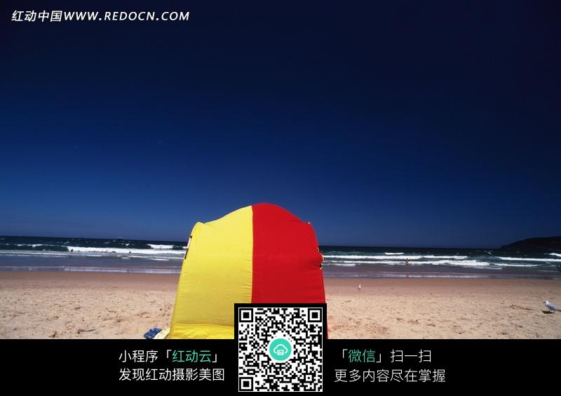 海滩上的帐篷图片_海洋海边图片