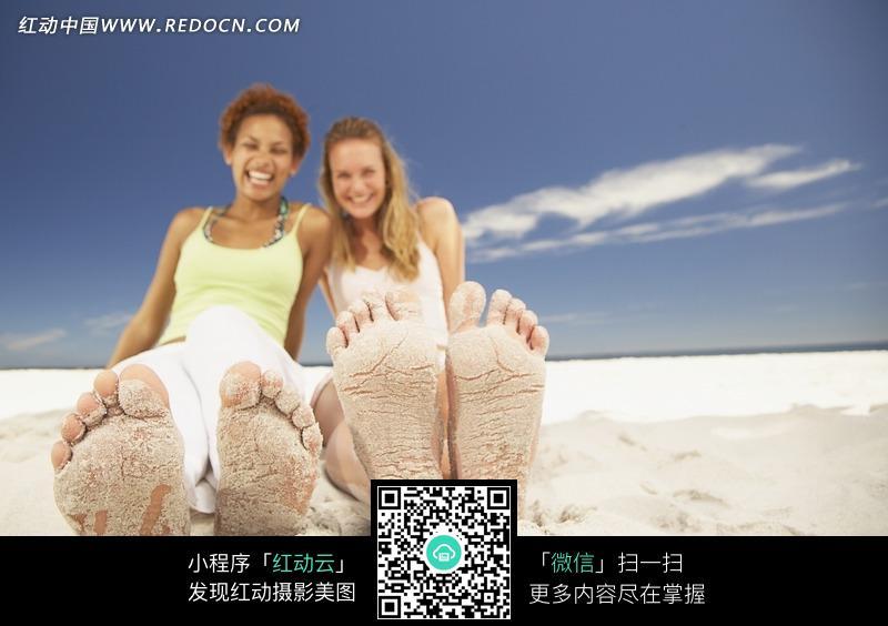 滩上的外国美女图片