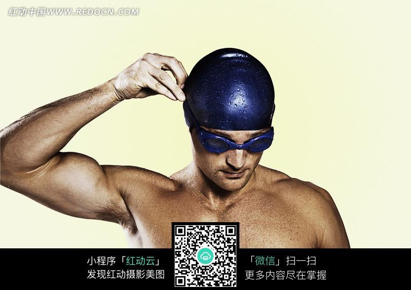 肌肉 运动员/整理泳帽游泳运动员身体肌肉特写