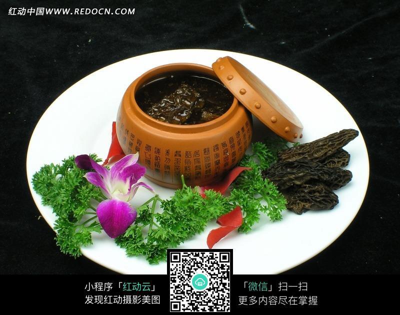 红汤羊肚菌图片