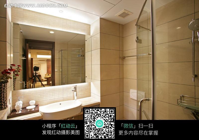 免费素材 图片素材 环境居住 室内设计 淋浴房/洗脸盆/镜子构成的图片