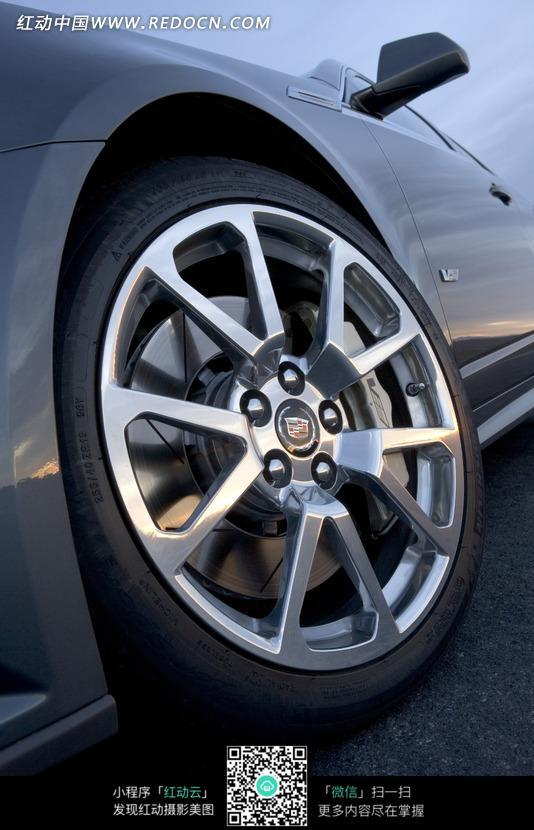凯迪拉克cts-v汽车轮胎