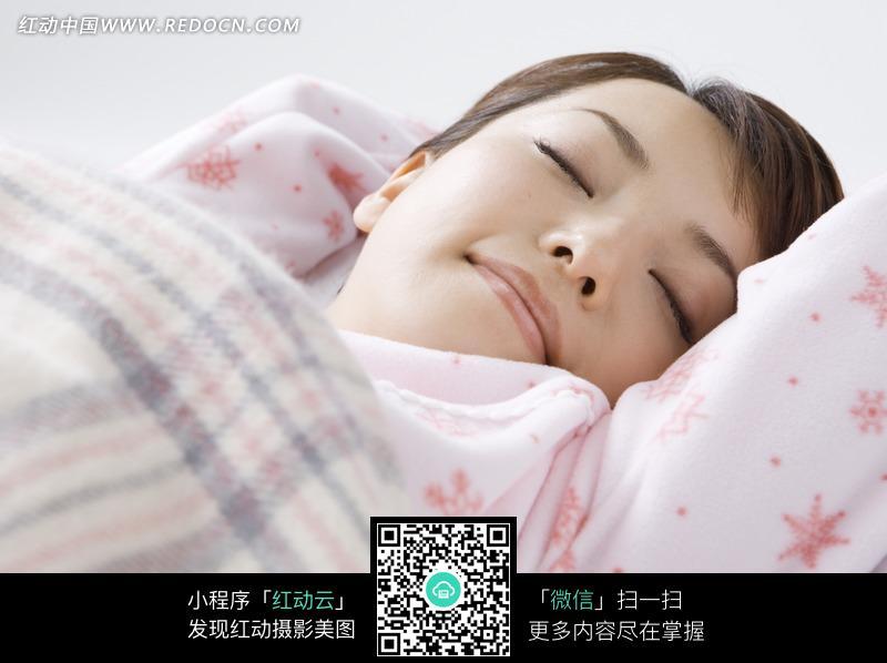 睡觉的女人图片