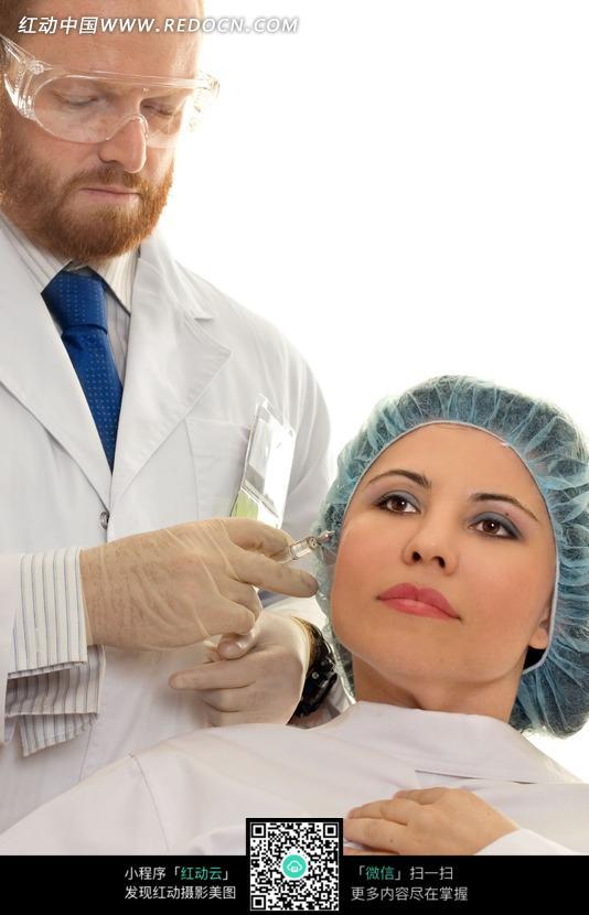 接受医生注射美容药剂的美女图片 医疗护理图