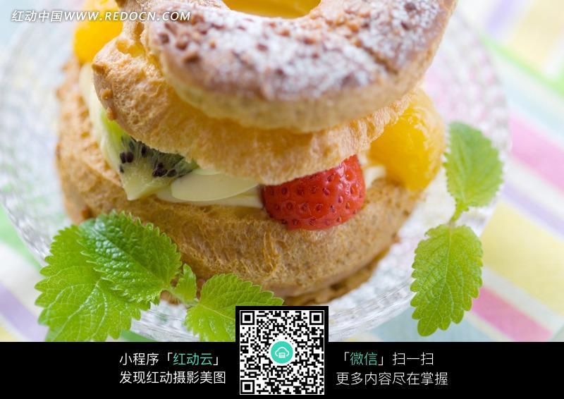 水果夹心面包 法式甜点图片
