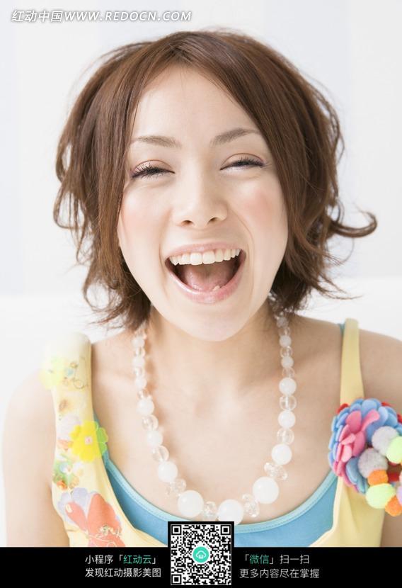 免费素材 图片素材 人物图片 女性女人 张嘴笑的可爱女孩  请您分享