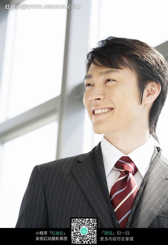 微笑的男人面瓿表情图片