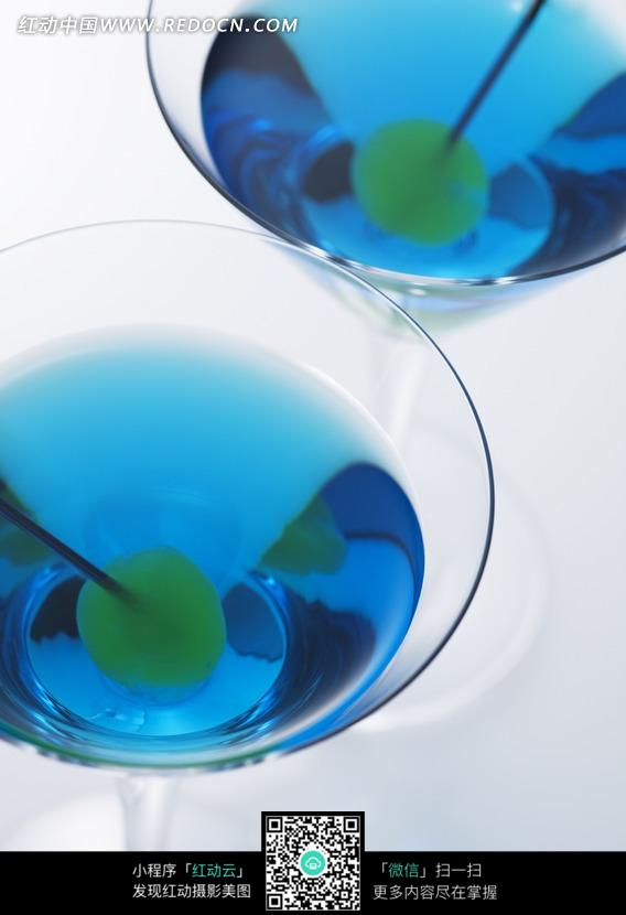 蓝色鸡尾酒