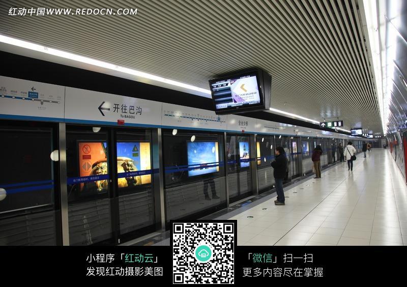 地铁站特写照片图片