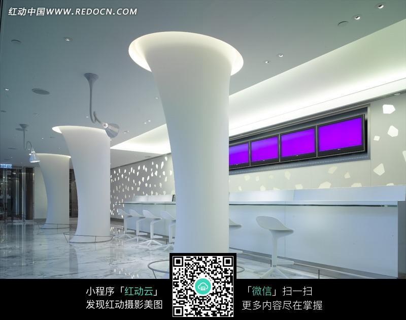 免费素材 图片素材 环境居住 室内设计 白色柱子和吧台构成的图片