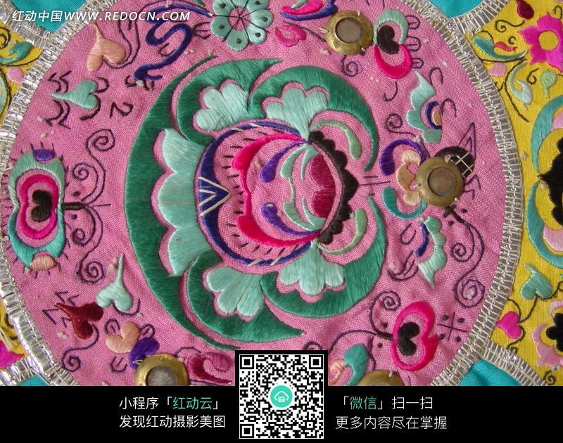 中国古典彩色刺绣图案