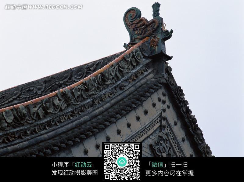 中国风建筑房顶一角