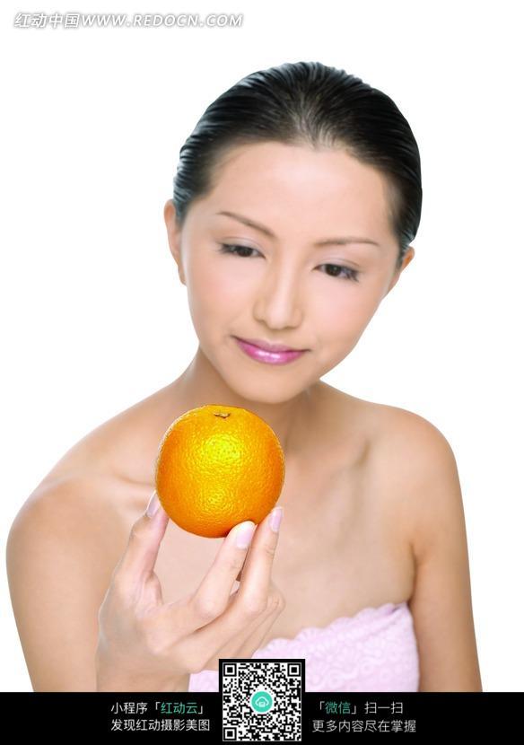 梦见老公手里拿着橙子