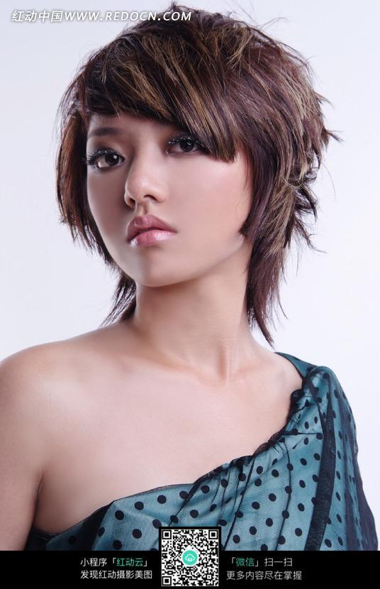 帅气的短发美女图片_女性女人图片