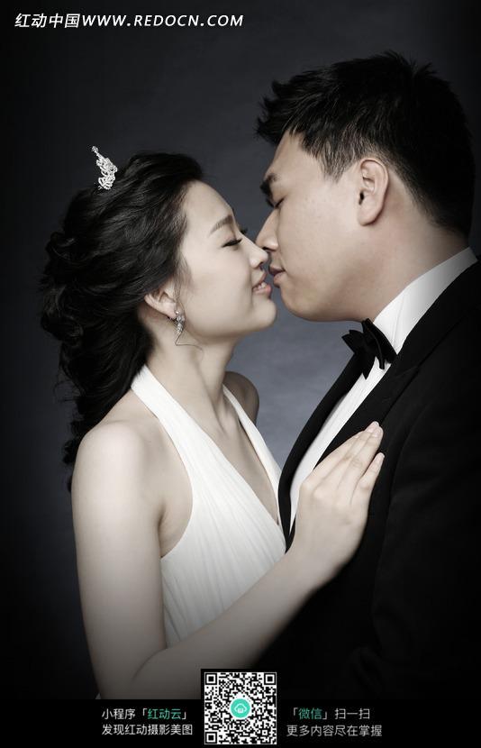 婚纱艺术写真的男人女人图片