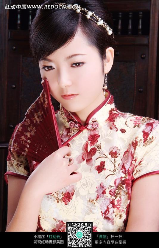 拿着扇子的旗袍美女图片 人物图片素材|图片库|图库