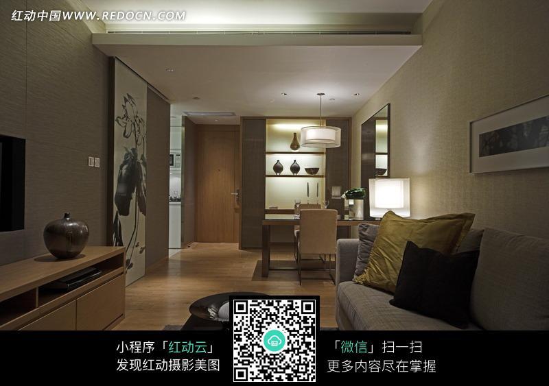 客厅区内茶几到餐边柜的装修效果图片高清图片