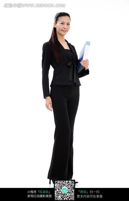 职业女性工作照片_一个穿正装的职业女性图片