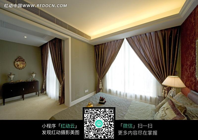 简约的欧式风格卧室效果图图片_室内设计图片