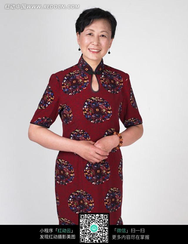 穿着旗袍中国女人图片