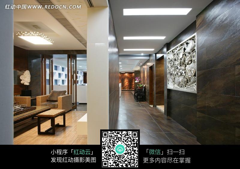 隔断墙两边的会客厅过廊装饰效果图片