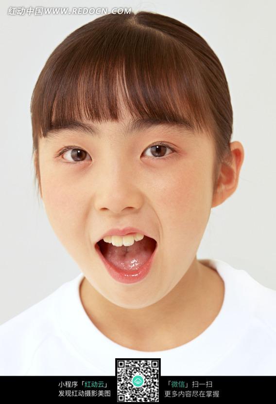 免费素材 图片素材 人物图片 儿童幼儿 张嘴的可爱小女孩头像  请您