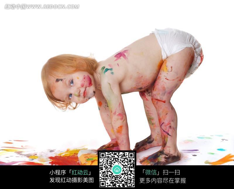 玩色彩颜料 外国小孩 可爱 宝宝 小孩 儿童图片 儿童照片 人物素材