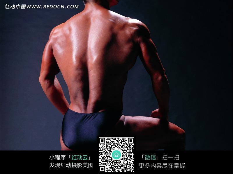 肌肉男 背部/肌肉男背部特写图片...