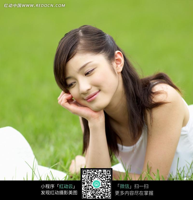 微笑的美女图片