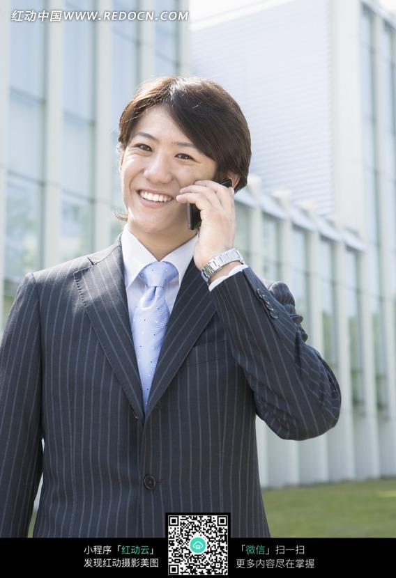电话的商务男士图片