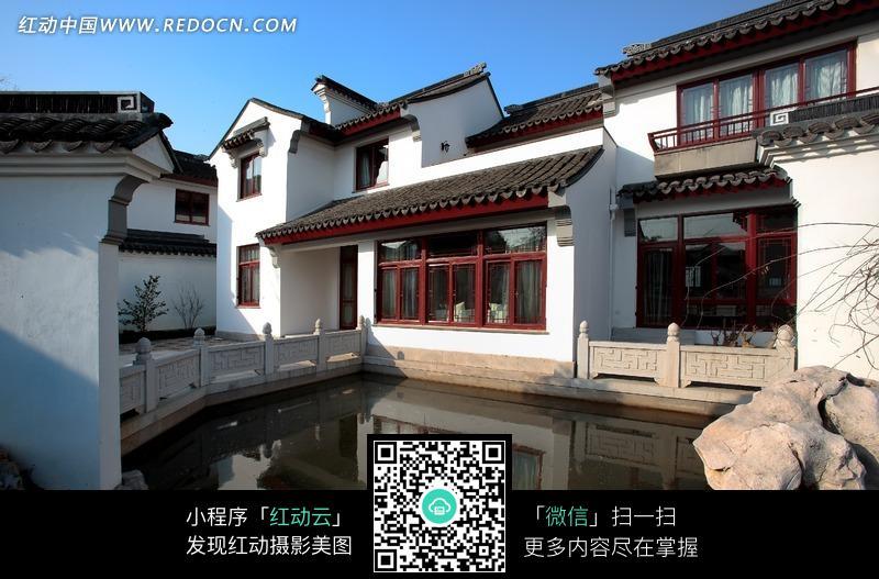 免费素材 图片素材 环境居住 室内设计 江南庭院小湖边的中式古典建筑