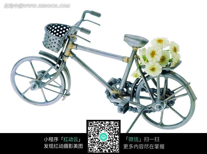 自行车后架上的鲜花
