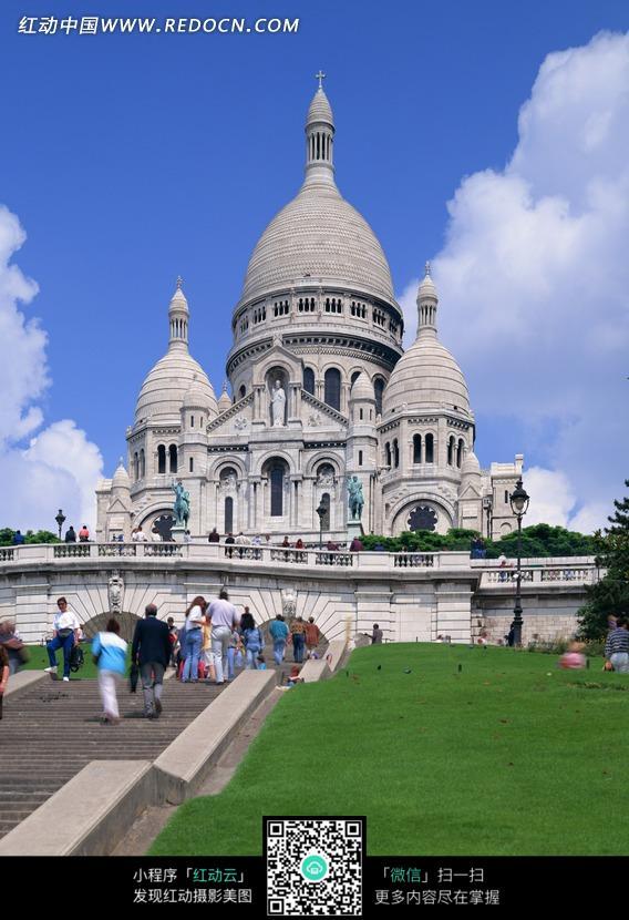 蓝天下的欧式圆顶欧式建筑图片图片